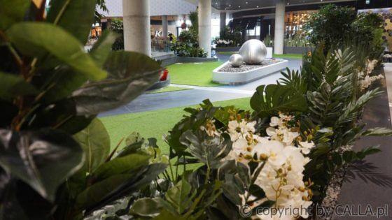 aranżacja zielenią sztuczną oraz żywą wnętrz galerii Libero